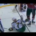 Como tirar um jogador de hockey da jogada?